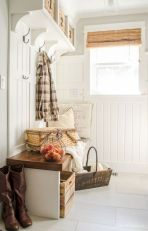 50 Stunning Farmhouse Mudroom Decor Ideas And Remodel (36)