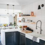 55 Fantastic Farmhouse Kitchen Backsplash Design Ideas And Decor (18)