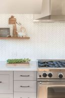 55 Fantastic Farmhouse Kitchen Backsplash Design Ideas And Decor (31)
