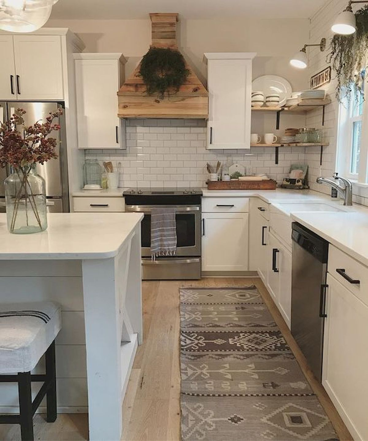 60 Great Farmhouse Kitchen Countertops Design Ideas And ... on Farmhouse Counter Tops  id=83300