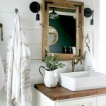 66 Adorable Farmhouse Bathroom Decor Ideas And Remodel (39)