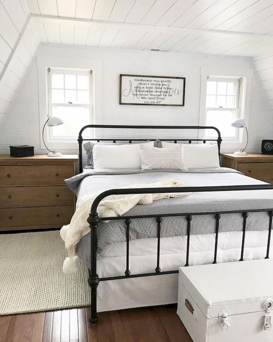 69 Best Farmhouse Bedding Decor Ideas And Remodel (23)