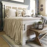 69 Best Farmhouse Bedding Decor Ideas And Remodel (32)
