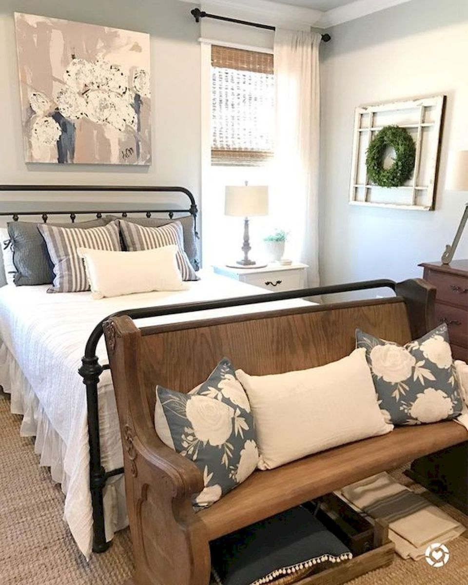 69 Best Farmhouse Bedding Decor Ideas And Remodel (49)