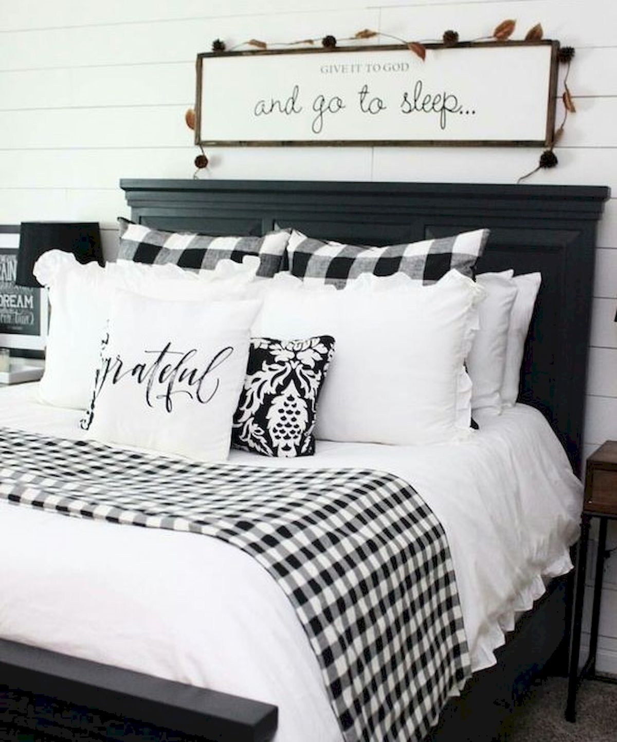 69 Best Farmhouse Bedding Decor Ideas And Remodel 7 ...