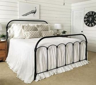 69 Best Farmhouse Bedding Decor Ideas And Remodel (9)