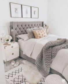 57 Stunning Modern Farmhouse Bedroom Design Ideas and Decor (106)