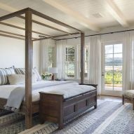 57 Stunning Modern Farmhouse Bedroom Design Ideas and Decor (114)