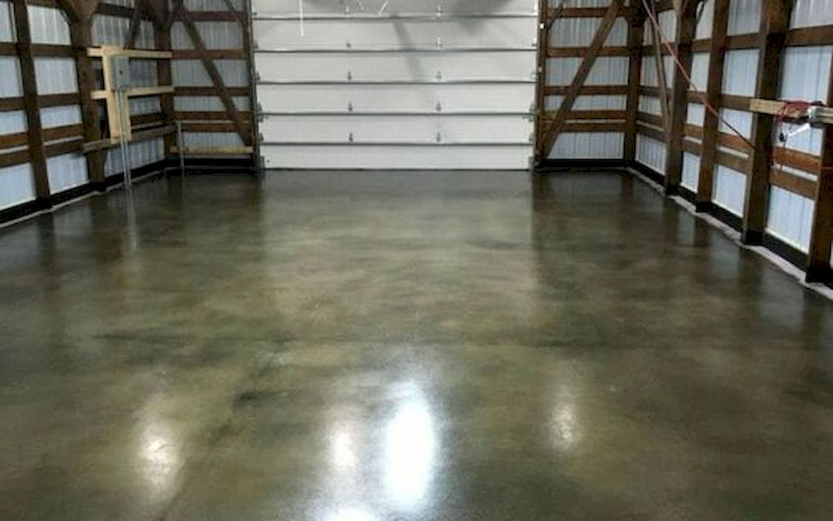 20 Best Garage Floor Ideas (12)