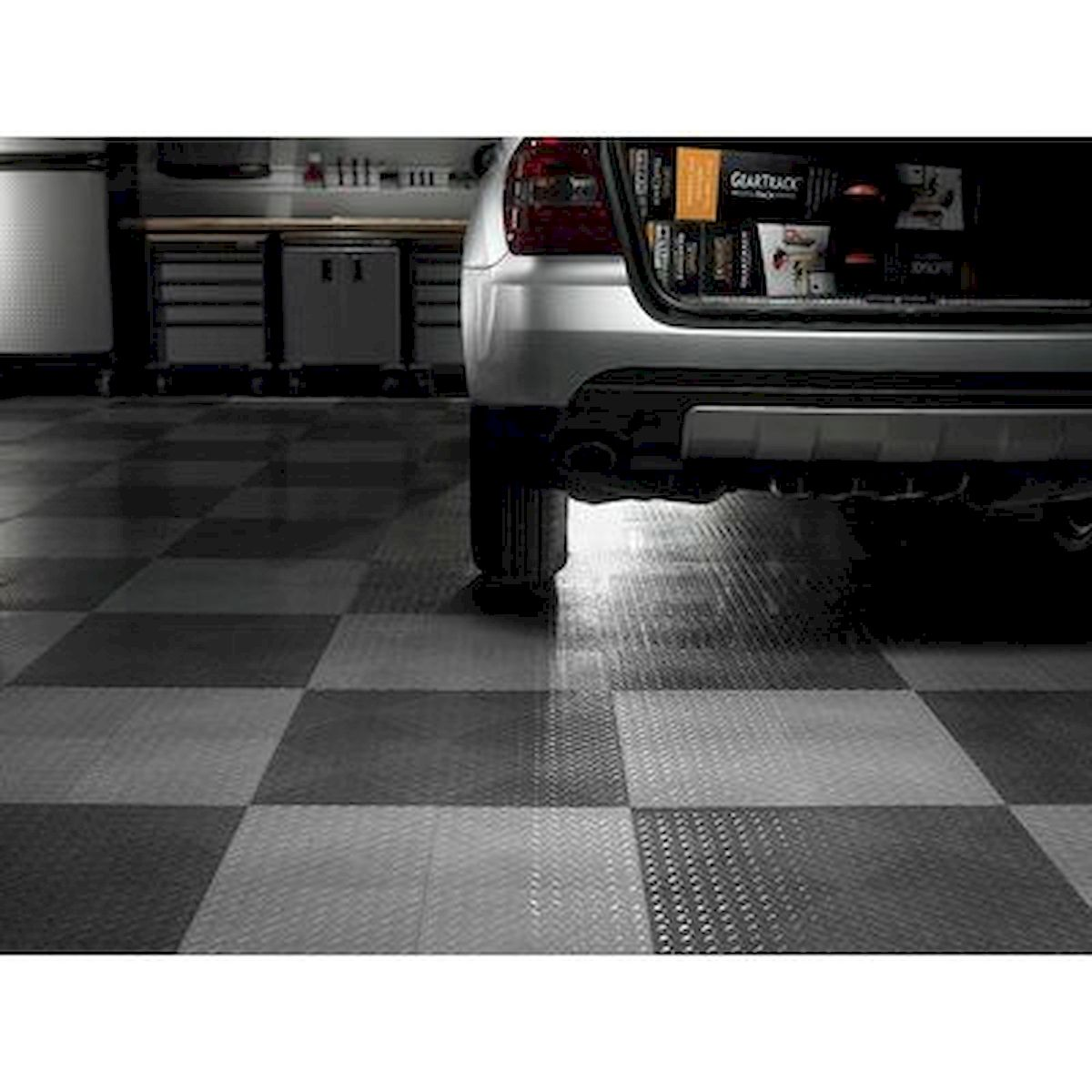 20 Best Garage Floor Ideas (19)