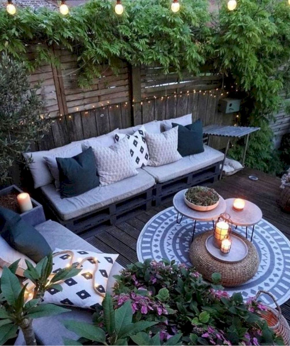 30 Best Small Backyard Patio Ideas (33)