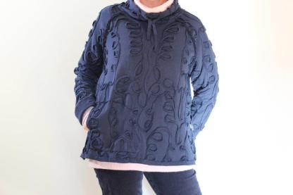 goomo.shop_curvature jumper