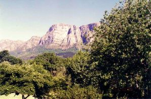 b1 Table Mountain from Vineyard