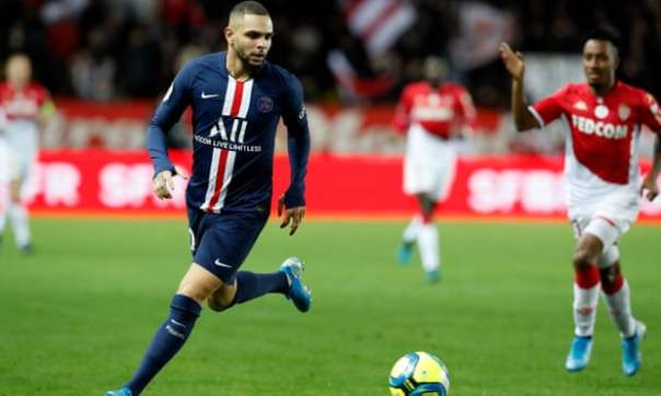 Kurzawa with the ball