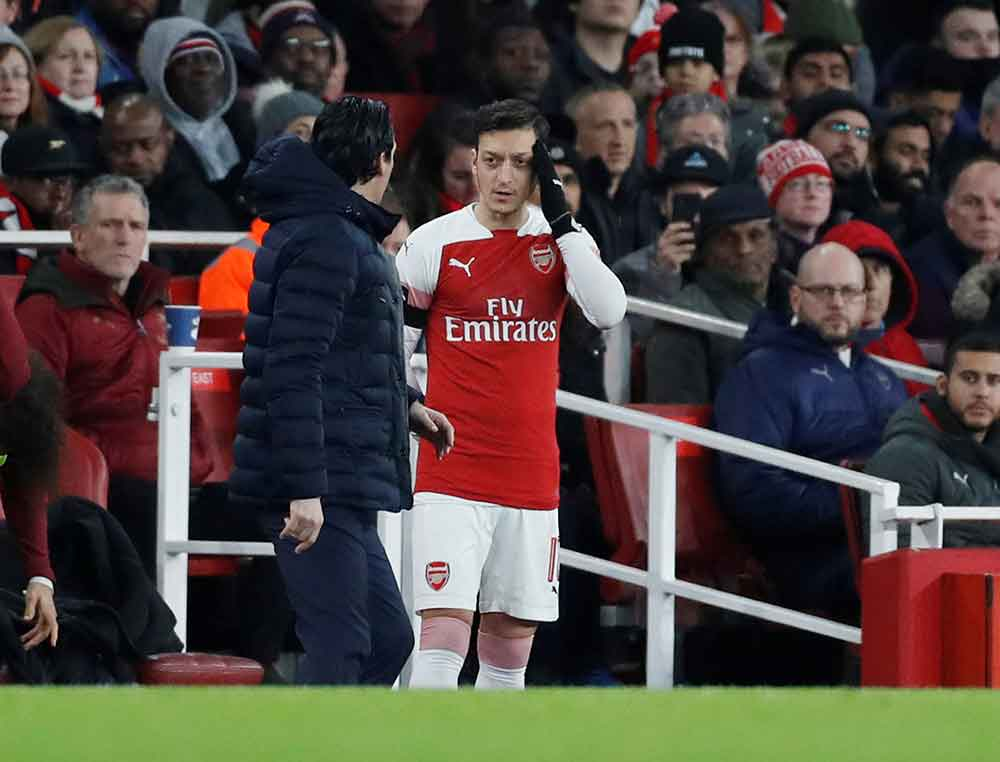 Arsenal Chief Offers His Explanation For Why Emery Has Left Ozil Out In The Cold