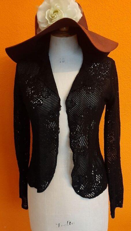 Zwart vintage kanten vestje van la Fée Maraboutée,Goosvintage