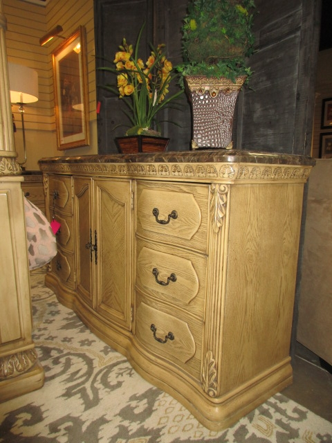 Collezione Europa Dresser At The Missing Piece
