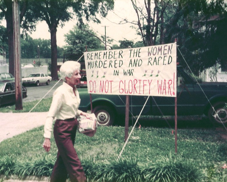The Charlotte Women's Center erects a protest sign on Memorial Day, July 1983. Photo courtesy Concetta Caliendo