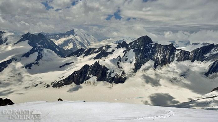 Alpy Berneńskie panorama na Finsteraarhorn