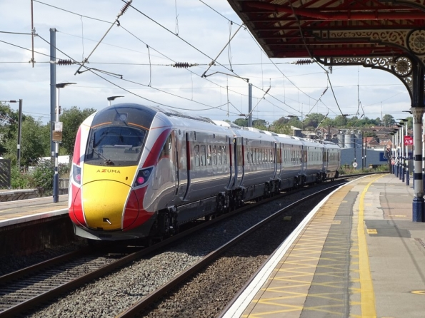 NER Class 800 Azuma 5 car at Grantham railway station