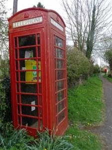 Red telephone box at Edmondthorpe