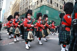 The FDNY Emerald Society Bagpipes march their way up Fifth Ave. during the St. Patrick's Day Parade, March 17, 2016, in New York. (Gordon Donovan/Yahoo News)