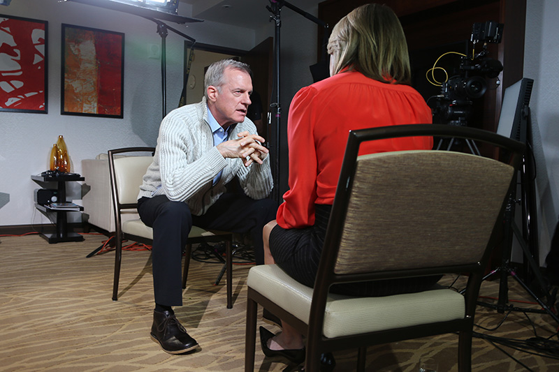 Yahoo News anchor Katie Couric interviews actor Stephen Collins at the Intercontinental Hotel on Dec. 17, 2014. (Gordon Donovan/Yahoo News)