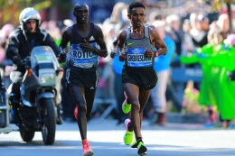 Ghirmay Ghebreslassie of Eritrea approaches mile 17 of the New York City Marathon on Nov. 6, 2016. (Gordon Donovan/Yahoo News)
