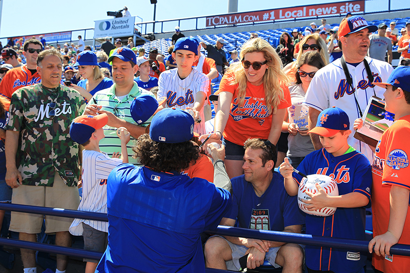 New York Mets pitcher Kevin McGowan signs for fans before the baseball game against the Detroit Tigers at First Data Field in Port St. Lucie, Fl., Sunday, Feb. 26, 2017. (Gordon Donovan/Yahoo Sports)
