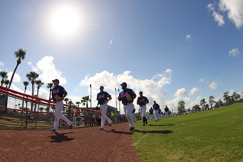 New York Mets players run off the practice field for more drills at New York Mets spring training facility in Port St. Lucie, Fl., Thursday, March 2, 2017. (Gordon Donovan/Yahoo Sports)