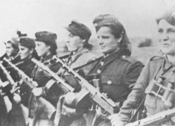 Группа женщин-бойцов УПА. Фото: oun-upa.org.ua