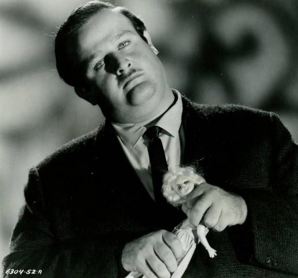 Victor Buono is The Strangler