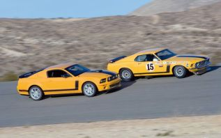 112_0703_16z+saleen_ford_mustang+side_by_side_boss_302