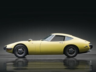 002-1967-toyota-2000gt