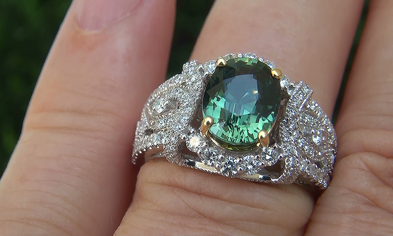 AIGS CERTIFIED 3.24 ct UNHEATED Natural Green Sapphire & Diamond 14k White & Yellow Gold Estate Ring