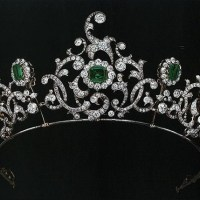 The Exquisite Duchess of Devonshire Emerald Tiara by Cartier, c. 1901-1910
