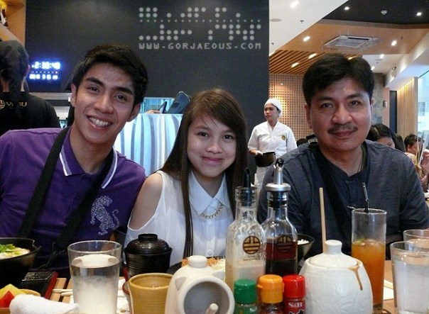 Kevin, Jan, and Dad at Yabu: The House of Katsu, SM Mall of Asia