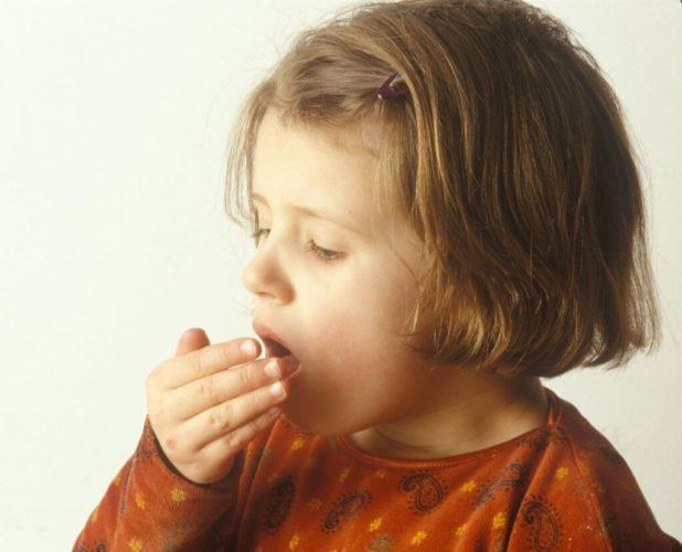 Than to treat a child's cough from mucus: what drugs are used