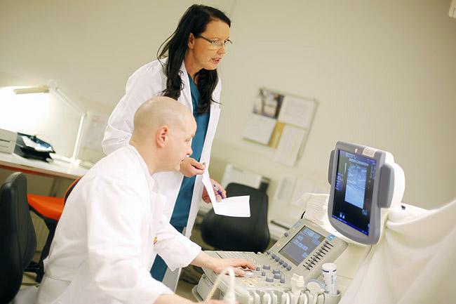 Пункция и биопсия молочной железы разница. Отличие пункции от биопсии. Как делают биопсию в определенных органах и тканях
