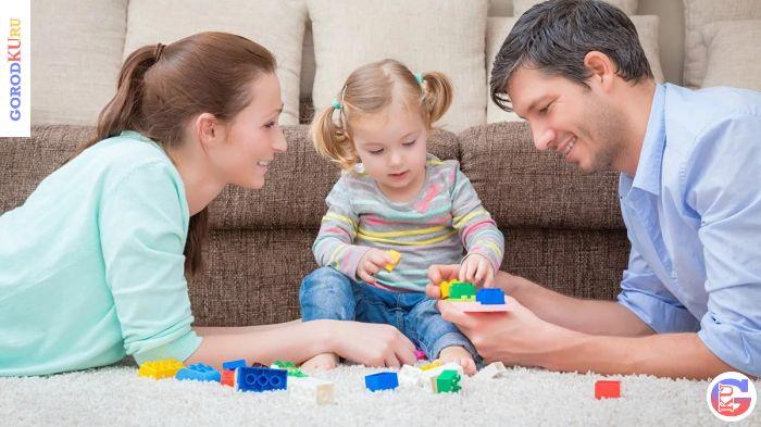 Ежемесячная выплата по уходу за ребенком до трех лет