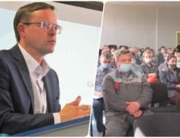 Глава города на встрече с представителями трудового коллектива Каменск-Уральского металлургического завода