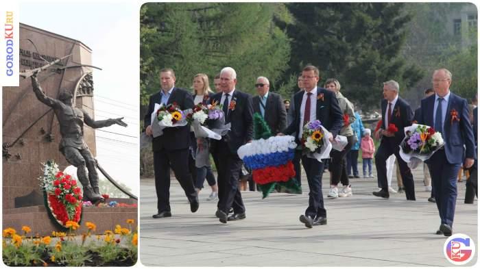 В Каменске-Уральском возложили цветы к мемориалам павших на Великой Отечественной войне