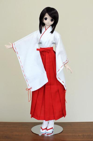 60巫女服セット: 霧切谷の隠れ人形茶屋(ドルフィードリームを中心としたブログです)