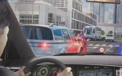 New Head-Up-Display On Windshields Is Not A Distraction?
