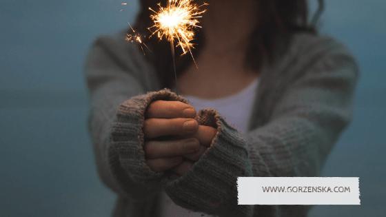 """100 lat praw wyborczych – """"prawie"""" 100 życzeń dla kobiet"""