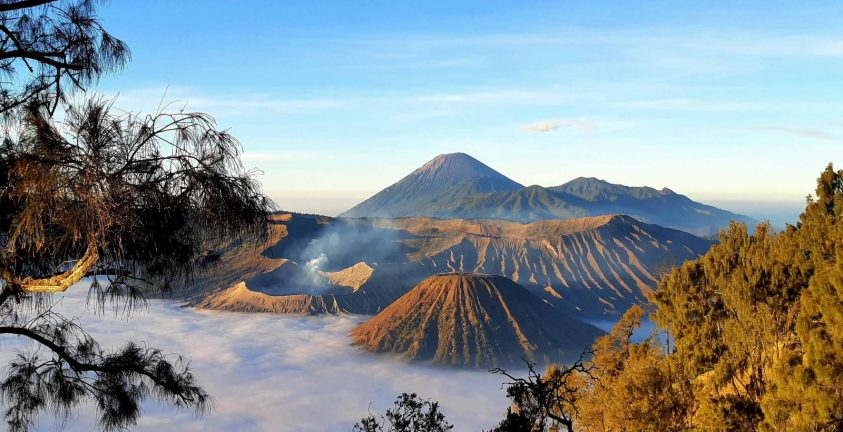 Climbing Mount Bromo guide for beginners - Ummi Goes Where?