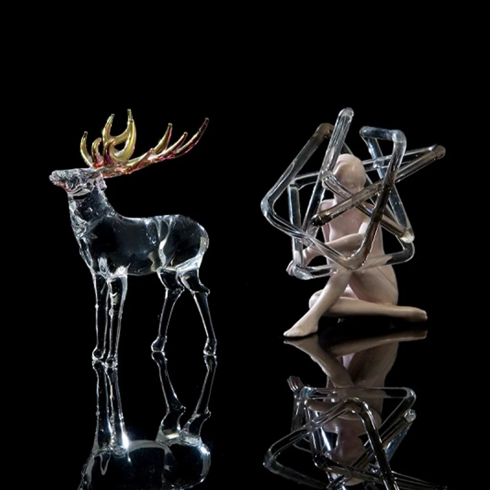 'Is it reality or imagination?'; Borosilicate and Cast Glass, Gold and Ceramic; Goshka Bialek