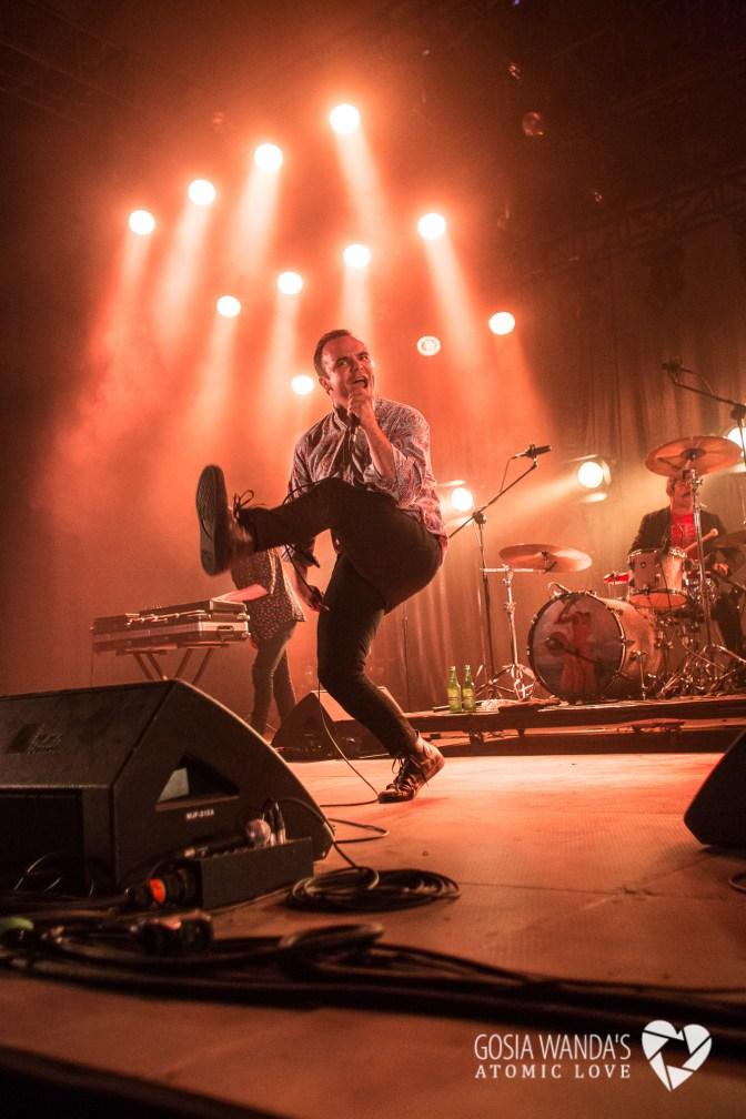 Future Islands at Krakow Live Festival 2015_Gosia Wanda-22
