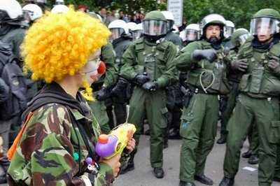 demonstration picture clown scare
