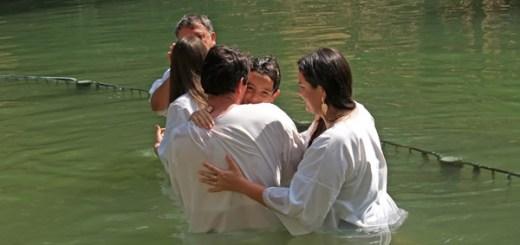バプテスマの聖書的な意味を明らかにする方法ーエホバの証人への伝道サンプル